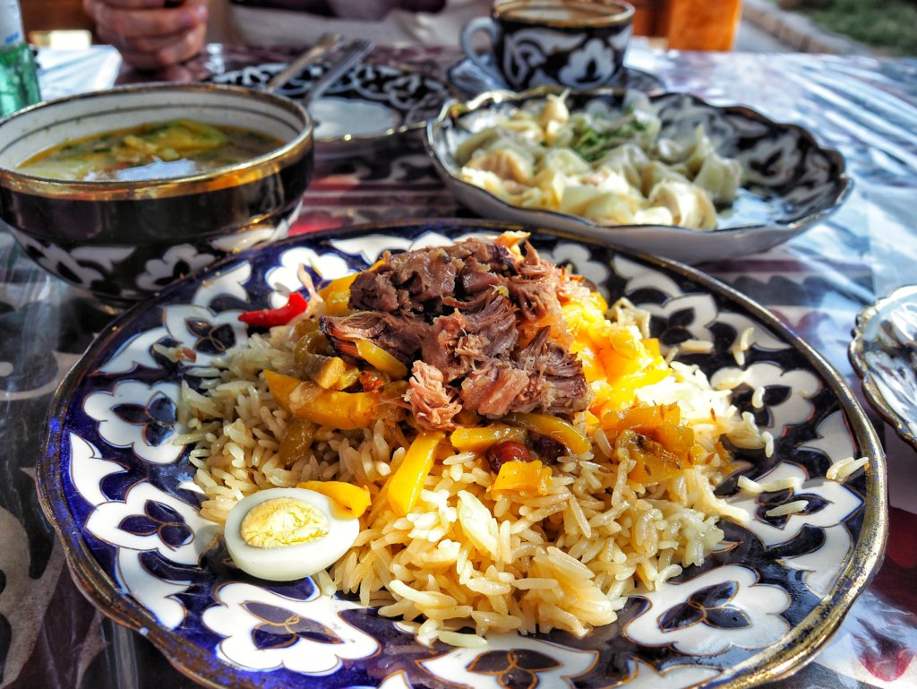 Plov at Bibikhanum teahouse