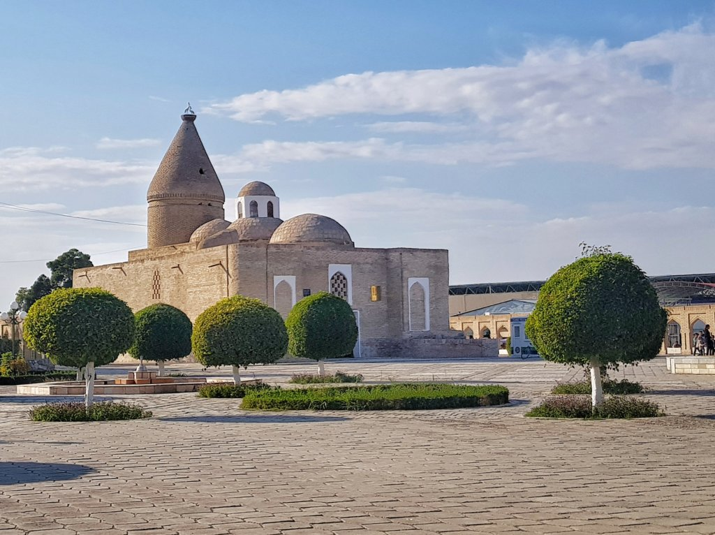 Chashmai-Ayyub Mausoleum